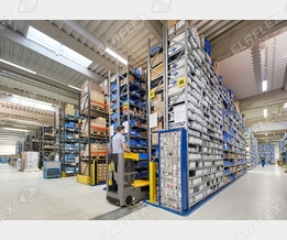 Elaflex Hamburg, narrow aisle stock for small parts - picture 2