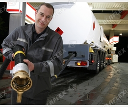 Fuel delivery at the petrol station